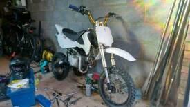 Stomp 140cc pitbike YX CRF70
