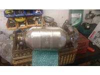 New CATALYTIC CONVERTER ford focus 2000 to 2004 2.0l