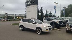 2013 Ford Escape Titanium 4WD **PANORAMIC ROOF**