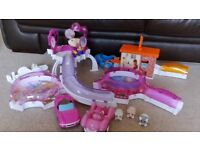 Zhu Zhu pets bundle, hair dressers, airport, pizza place, room sets, hamsters and babies.