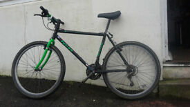 Fusion 0110 Black and Green Mountain Bike - 18 inch Medium Frame - Fully Serviced - Many new parts