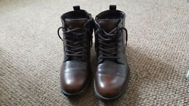 Stylish boots for sale