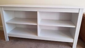 White wood tv unit
