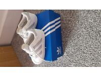 Infant Adidas Gazelle trainers Size 4