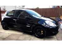 Black Renault Clio sport 2.0 (197) VVT