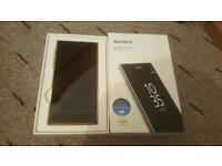 Sony Xperia Z5 Premium E6853 (Latest Model) - 32GB - Gold (Unlocked) Smartphone