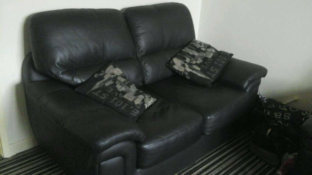 leather settee 2 and 3 seater