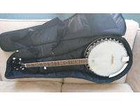 5 string banjo and gig bag