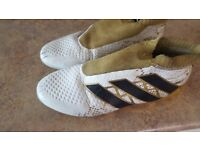 ADIDAS PURE CONTROL 16+ GOLD WHITE BLACK LACELESS FOOTBALL BOOTS SIZE UK 9.5