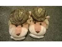 Bear faces fun slippers (size 6)