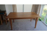 Oak Dining Table seat 4-6