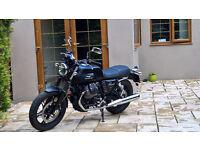 2013 Moto Guzzi V7 Stone - Only 2,200 miles