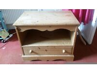 Soild pine tv stand with draw