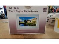 Alba 7 inch photo frame
