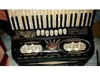 Vintage accordian working