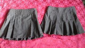 School skirts age 4-5 years.