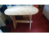 Pine oval dining/hall table £25