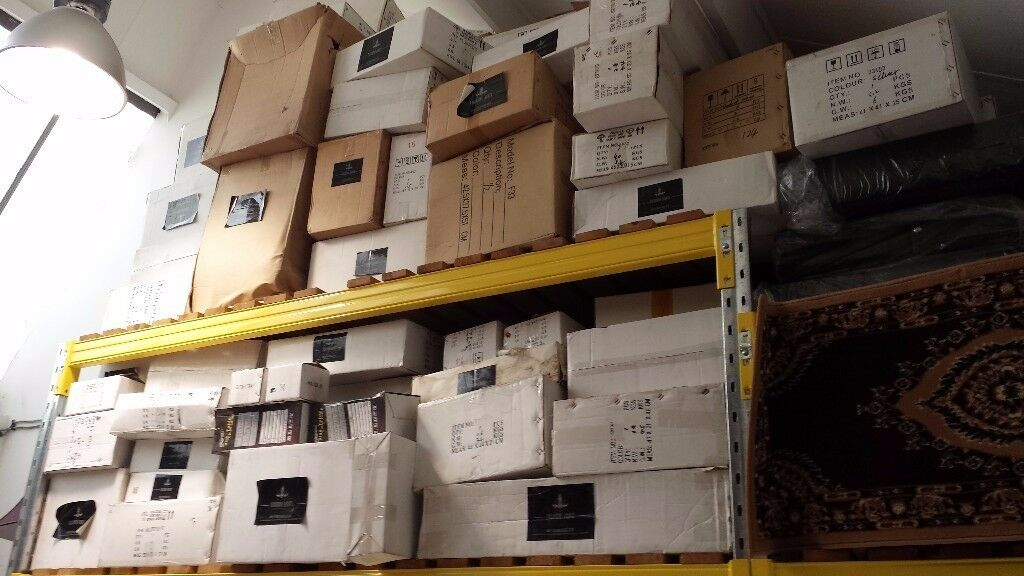 JOB LOT 200-300 BOXES BRAND NEW WALL & CEILING LIGHTS, DESK, FLOOR & TABLE LAMPS (CLEARANCE SALE)