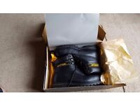 NEW Caterpillar steel toe cap boots UK 8 or 9 (labeled 8 but are large)