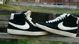 Nike trainers size 3.5 (UK )