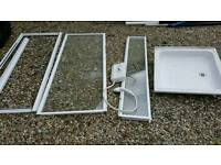Shower tray, shower screen and electric shower