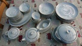8 piece china dinner service & part tea set