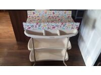 Mamas & Papas changing station / table, 3 tier with baby bath, excellent condition