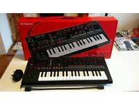Roland JD-XI digital and analog crossover synthesiser Keyboard Piano Synth Sequencer.