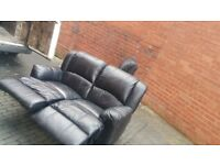 2 seater relcliner can be separated free delivery