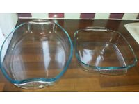 2 Pyrex Dishes