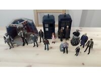 Various Dr Who figures as listed.