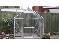 Greenhouse 6'x6' in good condition with benches and accessories