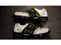 Size 9.5 stuburt golf shoes.