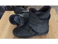 BRAND NEW DAYTONA MOTORCYCLE/ MOTORBIKE BOOTS GORE TEX, SHORTY, SIZE 9 - NEVER WORN ! BARGAIN!!