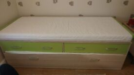 Child bed + guest bed