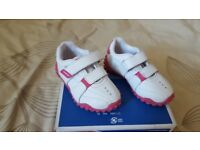 Girls Lonsdale shoe size 4. (20,5cm)