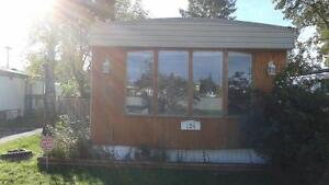 124, 6220 17 AVE SE - SPACIOUS 2BEDROOM MOBILE HOME