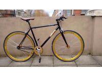 Black singlespeed/Fixie bike