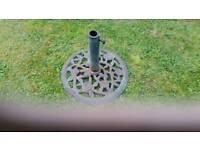 Cast iron garden parasol base