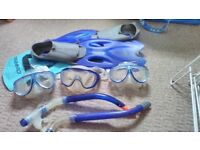 Snorkeling gear 3 goggles, 2 mouth tubes, one or flippers