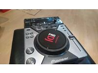 2xCDJ400 + DJM250 + BEHRINGER UCA202