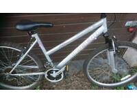 TOWNSEND LADIES MOUNTAIN BIKE, 17 INCH FRAME,, 26 INCH WHEEL'S, 18 GEARS, GOOD CONDITION.