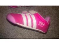 Baby Adidas Dragon trainers