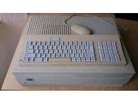 Very rare Vintage Apple Macintosh IIfx M5525. Powers up and works!