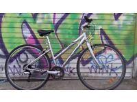 Giant hybrid bike, very light fast bike.