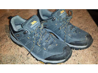 Mens Trespass Waterproof & Breathable Walking Shoes, size 9 in excellent condition