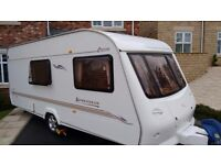 4 Berth lightweight touring caravan. Elddis 524 Advantage 2002. Ideal starter caravan
