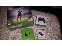 Xbox 1 500gb with built in fifa 16, 2 wireless controllers, headset & controller charging station