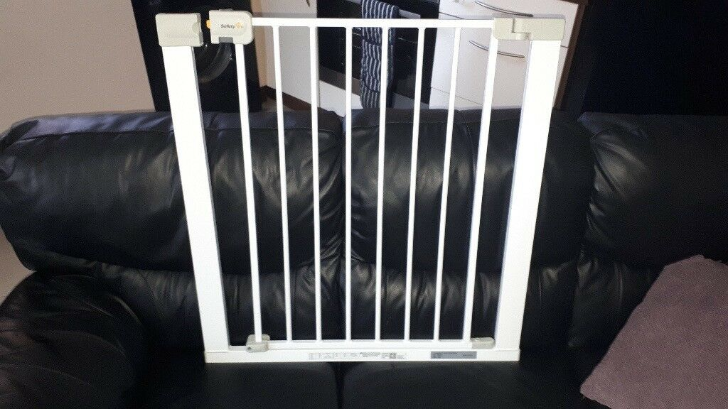 Used Safety First Pressure Baby Safety Stair Gate No Reserve