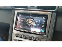 Professional car audio installer, mobile car audio installation